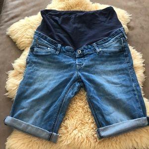 H&M Mama shorts